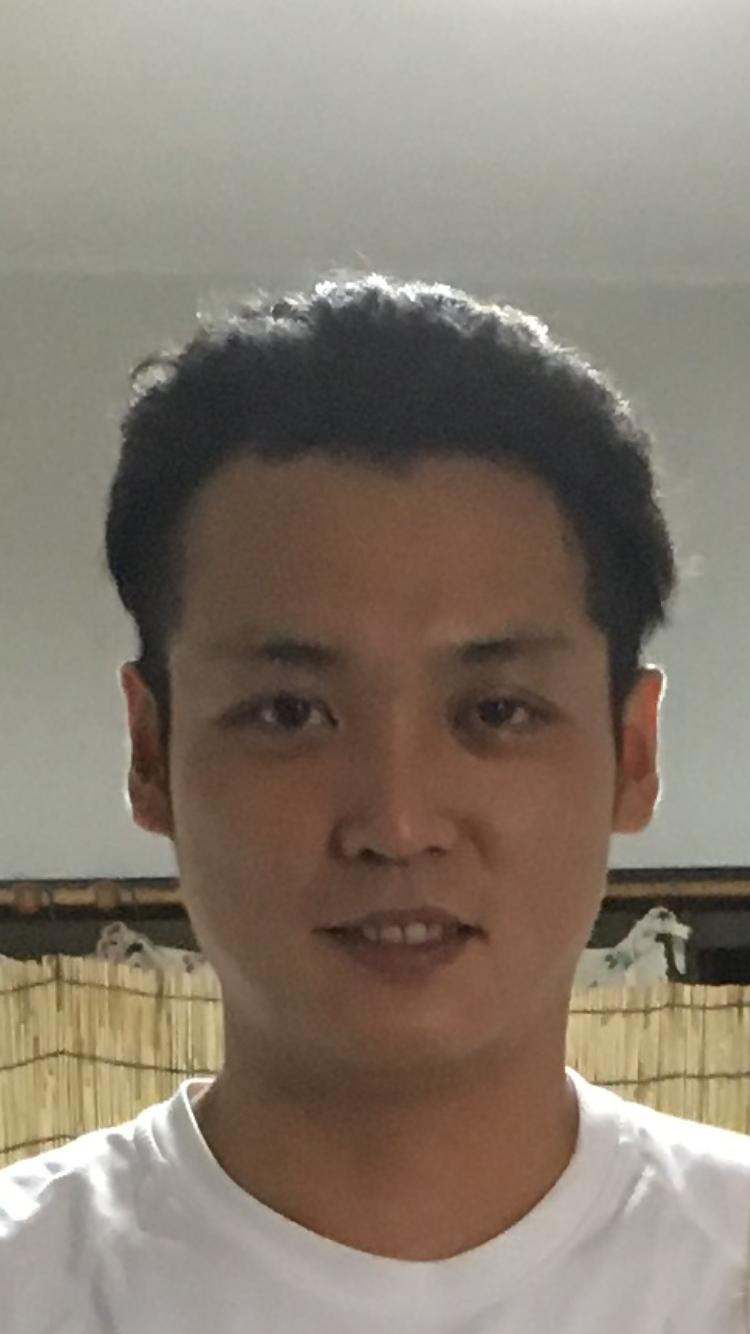 代表の中戸川 将です。
